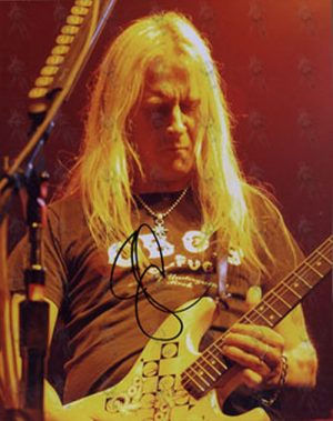 ALICE IN CHAINS - Signed 8 x 10 Live Colour Photo Of Jerry Cantrell - 1