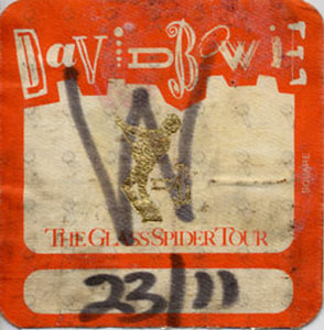 BOWIE-- DAVID - 'The Glass Spider Tour' 23/11 Used Working Cloth Sticker Patch - 1