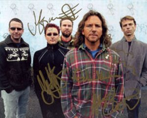 PEARL JAM - Autographed Pearl Jam 8 x 10 Photograph - 1