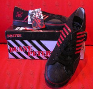 PETERS-- DUANE - Black With Red Stripes 'Skull' Design Low-Top Shoes - 1