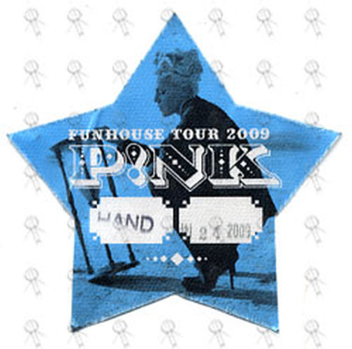 PINK - 'Funhouse Tour' May 24th 2009 Star-Shaped Cloth Stick-On - 1